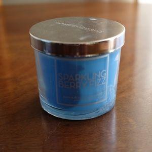 Bath & Body Works Accents - Bath & Body Works Sparkling Berry Fizz 4 oz Candle
